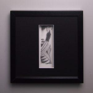 """""""La marque I"""", dessin aux crayons de papier sur papier d'art lisse 220g, au format 20x20 cm"""