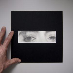« Songe », dessin aux crayons de papier sur papier d'art lisse 220g, au format 20×20 cm