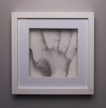 """""""De l'autre côté"""", dessin aux crayons de papier sur papier d'art lisse 220g, au format 20x20 cm"""